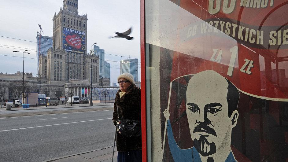 Reklamní plakát s Leninem v centru Varšavy