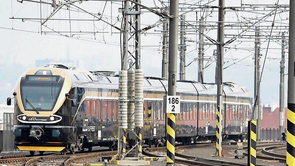 Vlak Leo Express.