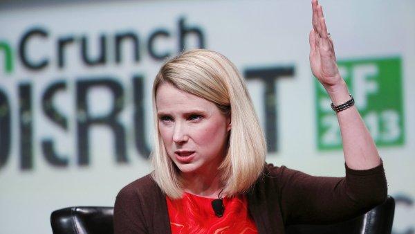 Investo�i nejsou spokojen� se ��fkou Yahoo Marissou Mayerovou.