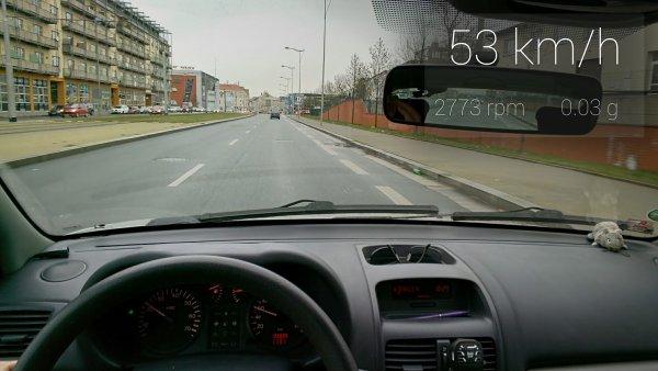 Google Glass s aplikací GlassCar Radovana Pašky