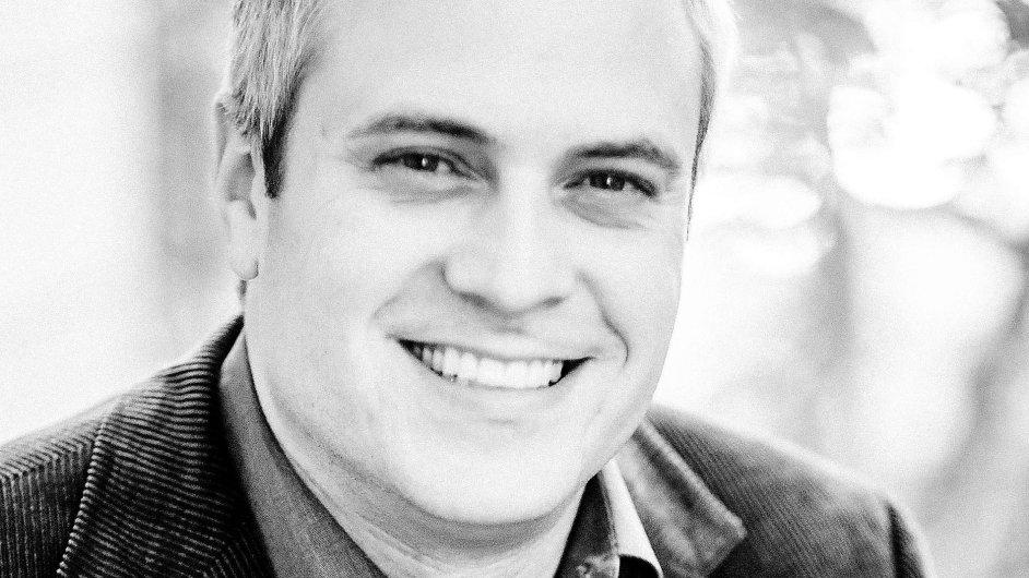 Brad Stone, reportér zabývající se technologickými společnostmi a autor knihy o Amazonu