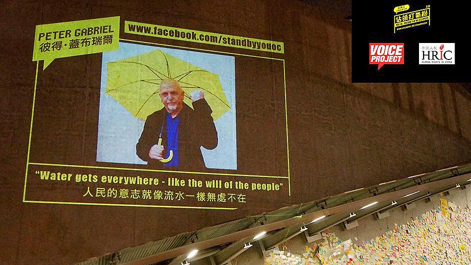 Vzkaz Petera Gabriela demonstrantům v Hongkongu