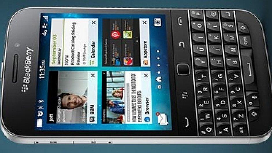 BlackBerry Classic, jeden z posledních zástupců chytrých mobilů s klávesnicí