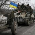 Ukrajinsk� arm�da �dajn� zah�jila stahov�n� t�k�ch zbran� odsunem d�l