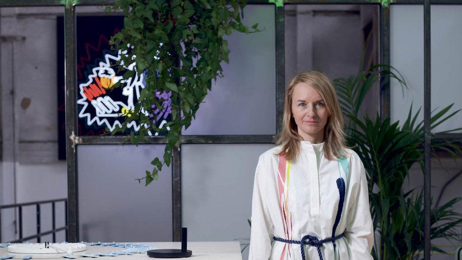 """""""Opičit se po zahraničních návrhářích je strašná nuda,"""" míní spoluzakladatelka týdne designu a módy Designblok Jana Zielinski."""