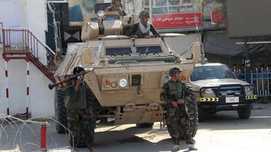 Afghánští vojáci zasahují v provincii Kunduz na severu země.