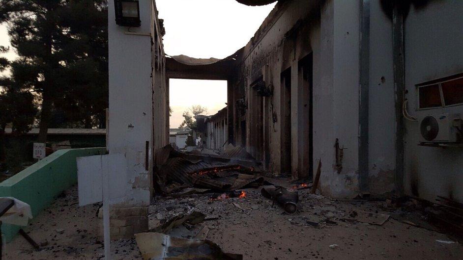 Zničená nemocnice v Kunduzu, kde působí Lékaři bez hranic.