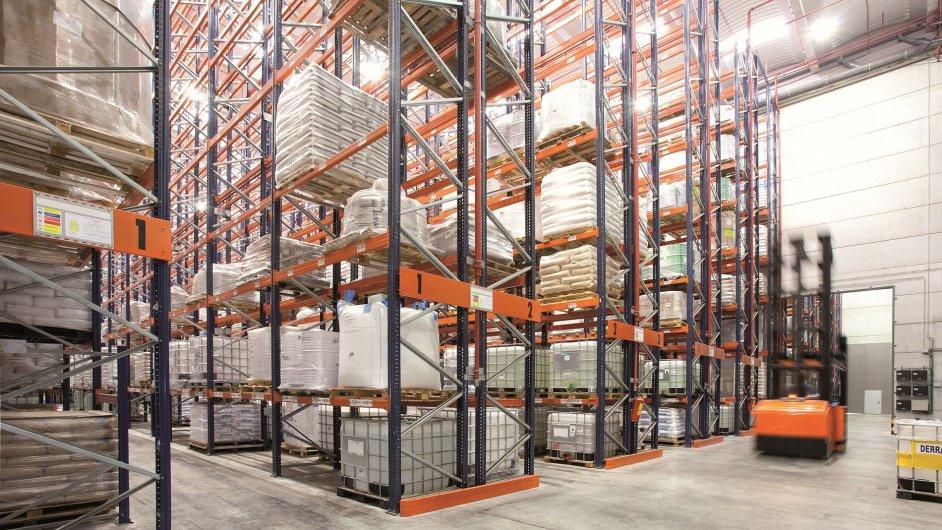 DHL Freight bude pro Toyotu MH přepravovat skladové systémy