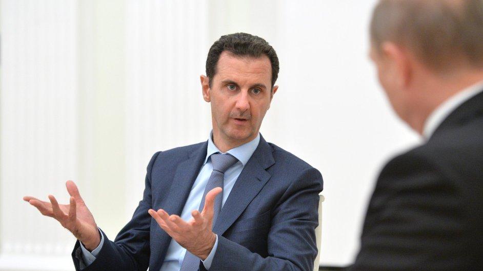 Syrský prezident Bašár Asad jedná se svým ruským protějškem Vladimirem Putinem.