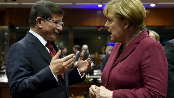 �esko po�le do Turecka 800 milion� korun, aby zbrzdilo p��liv uprchl�k�