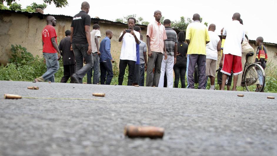 Násilí v africkém Burundi si vyžádalo téměř 90 obětí.