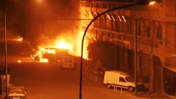 Hotel Splendid v centru Ouagadougou, metropole z�padoafrick�ho st�tu Burkina Faso, se stal ter�em �toku.