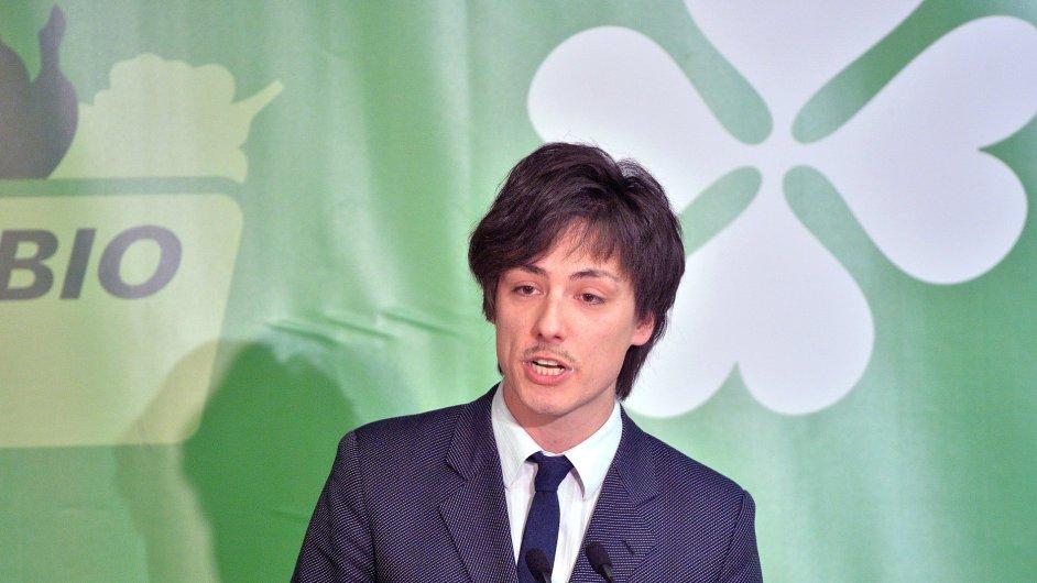 Novým předsedou Strany zelených je Matěj Stropnický.