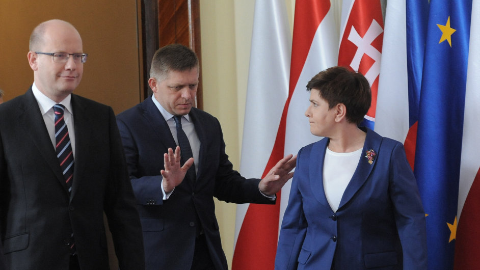 Společné jednání předsedů vlád visegrádské čtyřky minulý týden ve Varšavě.