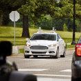 Ford pl�nuje do roku 2021 rozjet s�riovou v�robu samo��zen�ho vozu.