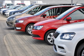 V Česku se loni prodal rekordní počet vozů. Téměř třetinu z nich dodala Škoda