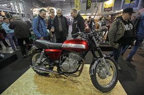 V Praze začala výstava Motosalon. Ukazuje americké Harleye i novinky české legendy JAWA