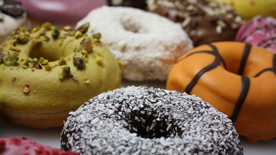 Nová prodejna Donut Club funguje v pražských Kunraticích teprve pár dní.