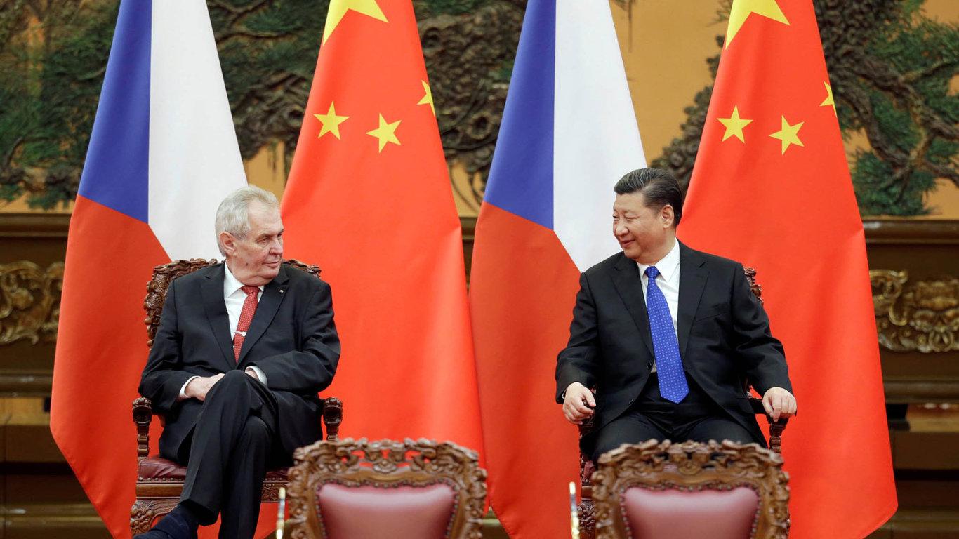 Prezident Miloš Zeman se v Pekingu setkal se svým čínským protějškem Si Ťin-pchingem.