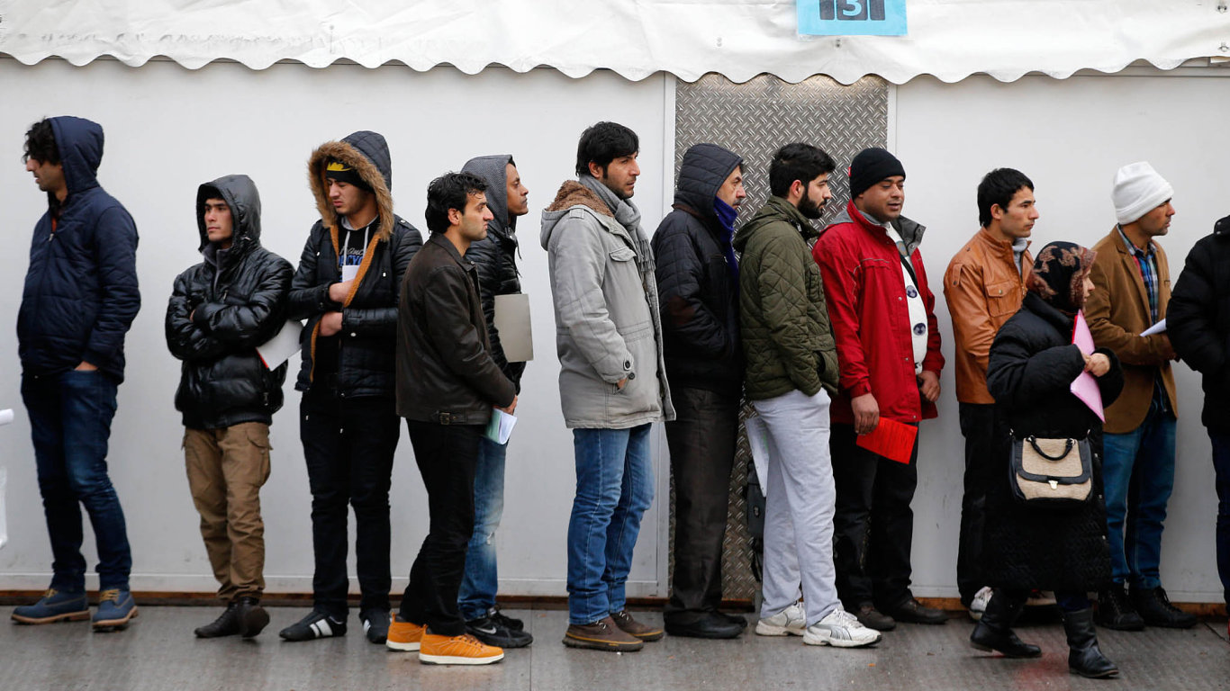 Důvodem lepšího zařazování běženců na pracovní trh je podle autorů studie zejména nízká nezaměstnanost, roli ale má hrát také širší nabídka jazykových a dalších integračních kurzů. Ilustrační foto