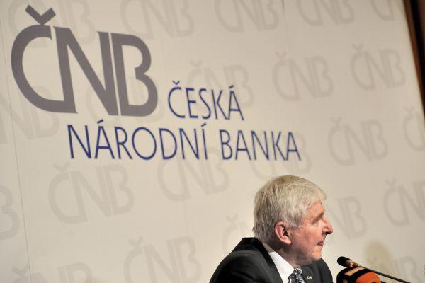 Jiří Rusnok oznamuje konec intervencí ČNB