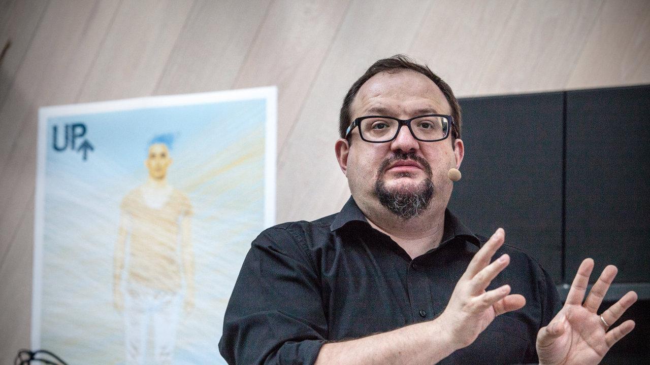 Josef Šlerka stane v čele Nadačního fondu nezávislé žurnalistiky.