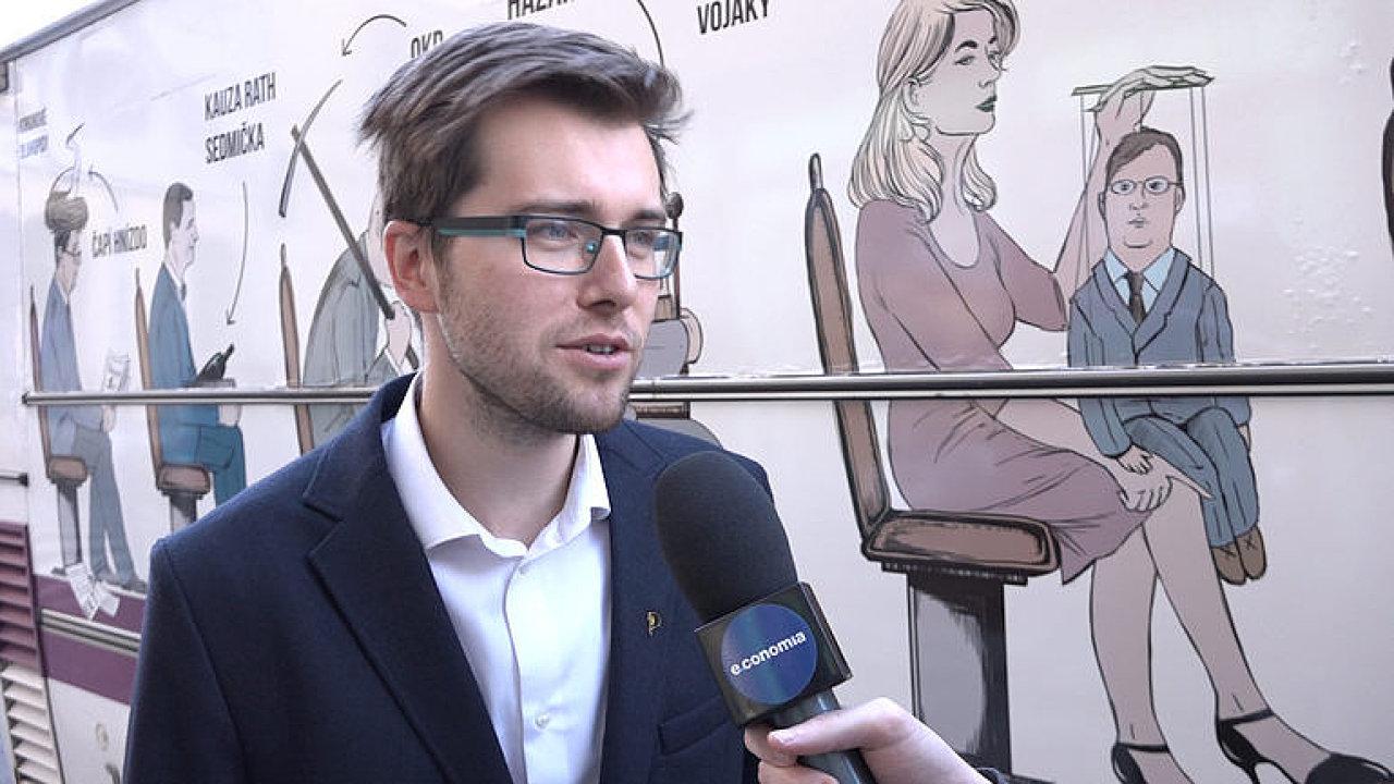 Poslanec Jakub Michálek (piráti) navrhuje, aby tuzemské finanční úřady mohly prolomit mlčenlivost nejen bank, ale i advokátů nebo daňových poradců.