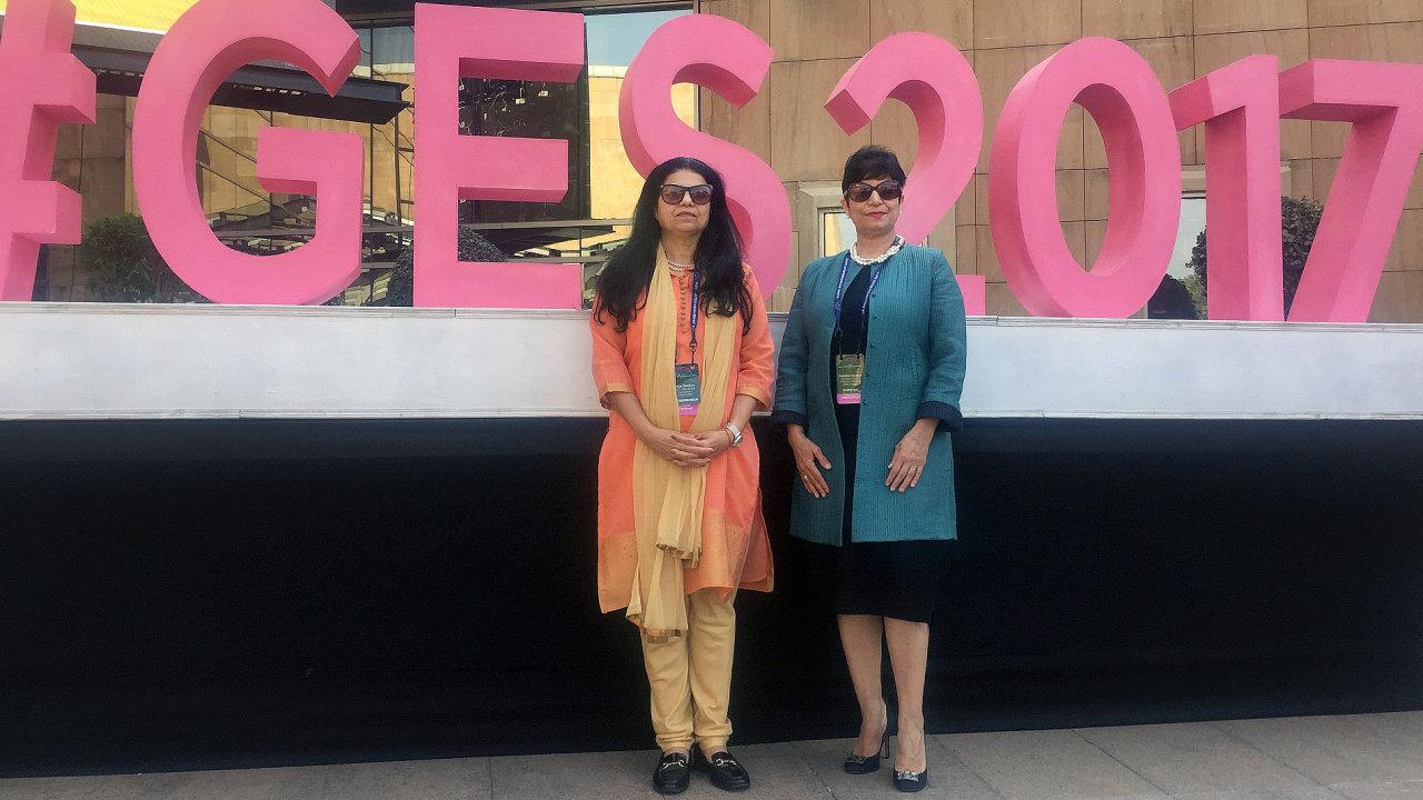 Zleva: Priya Tandon a Nandini Tandon.