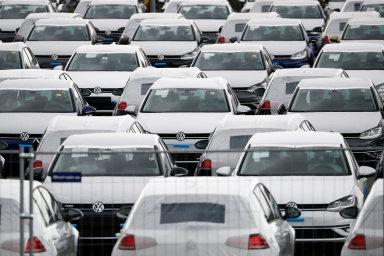 Portugalský závod Volkswagenu snížil kapacitu o 16 procent. Závod na Slovensku se uzavřel, v Německu zatím výroba na většině míst pokračuje.