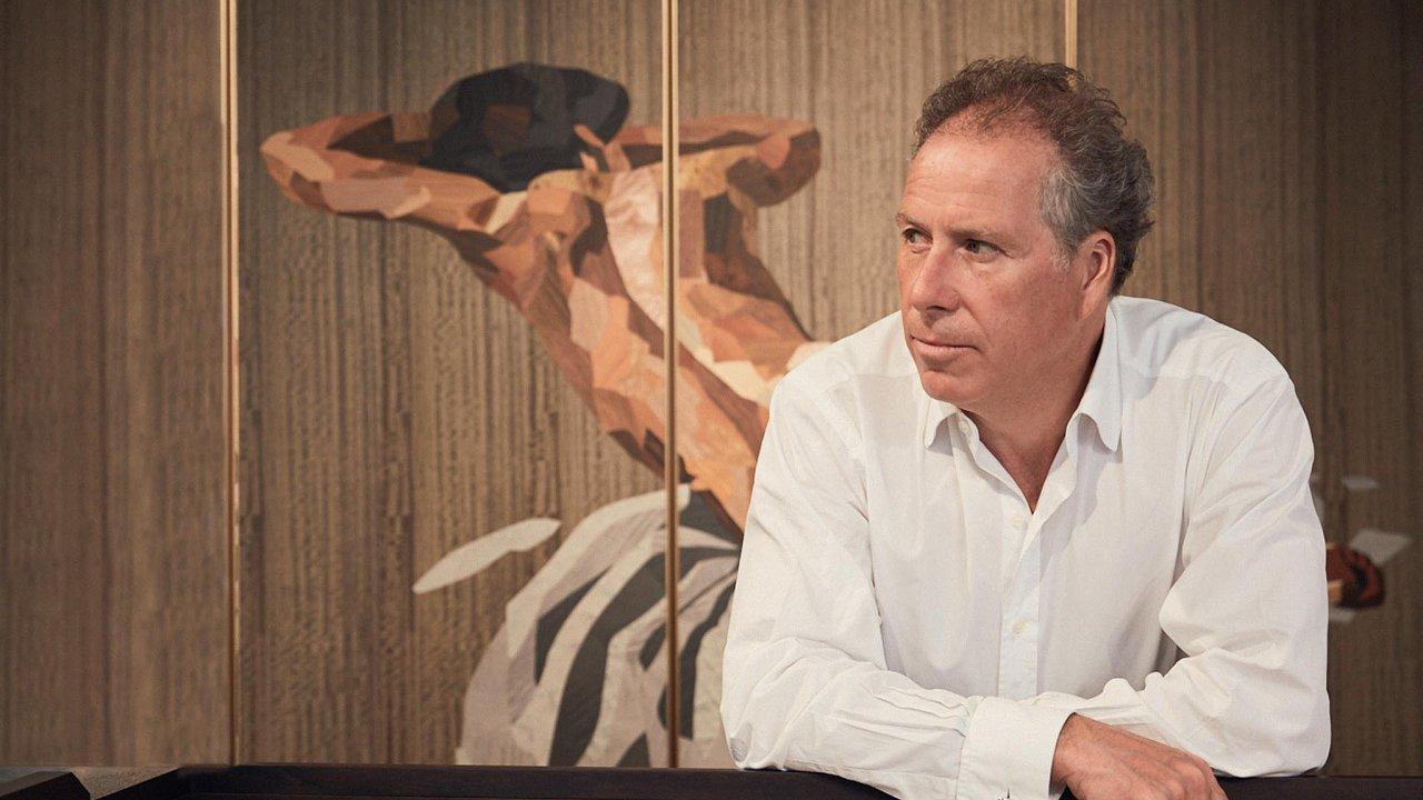 David Linley, designér nábytku a majitel nábytkářské firmy Linley