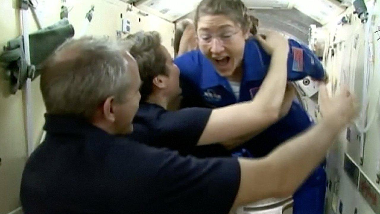 Vesmírná loď Sojuz tentokrát doletěla. Posádka přistála u ISS.