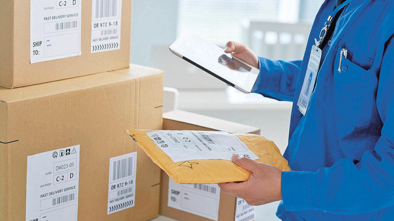 Vedle běžného doručování poštou či kurýrní službou zákazníci stále častěji využívají i možnost vyzvednout si zakoupené zboží na výdejním místě v okolí bydliště, v čase, který jim vyhovuje.