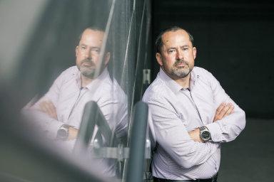 Šéf lidských zdrojů Sberbank Petr Čeřovský tvrdí, že firmy by nedostatek pracovní síly měly řešit především rekvalifikací a vzděláváním svých stálých pracovníků.