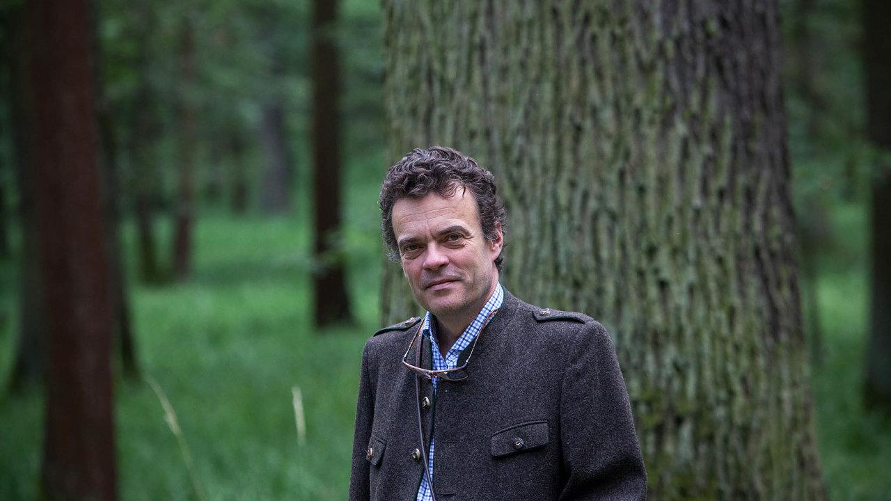 Tomáše Czernina spojuje sKarlem Schwarzenbergem šlechtický původ.