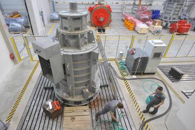 Hlavní artikl. Generátory do turbín pro malé a střední vodní elektrárny jsou doménou TES Vsetín.