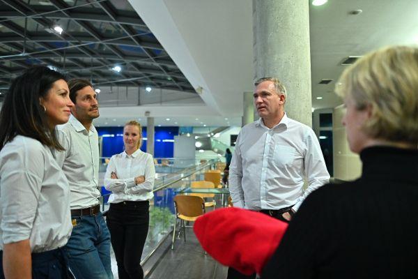 Armin Borries (uprostřed), generální manažer Clearstream Operations Prague