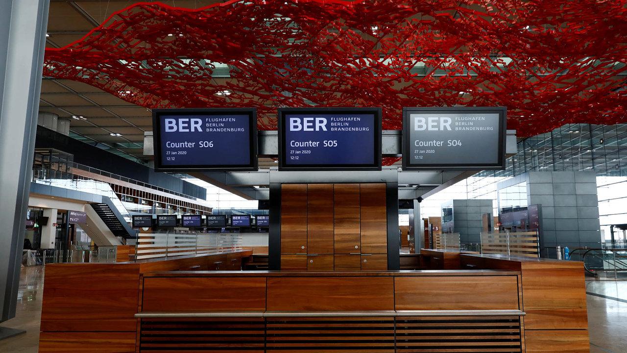 Berlín se konečně dočká nového letiště nesoucí jméno bývalého spolkového kancléře Willyho Brandta. 31. října může odbavit první cestující.