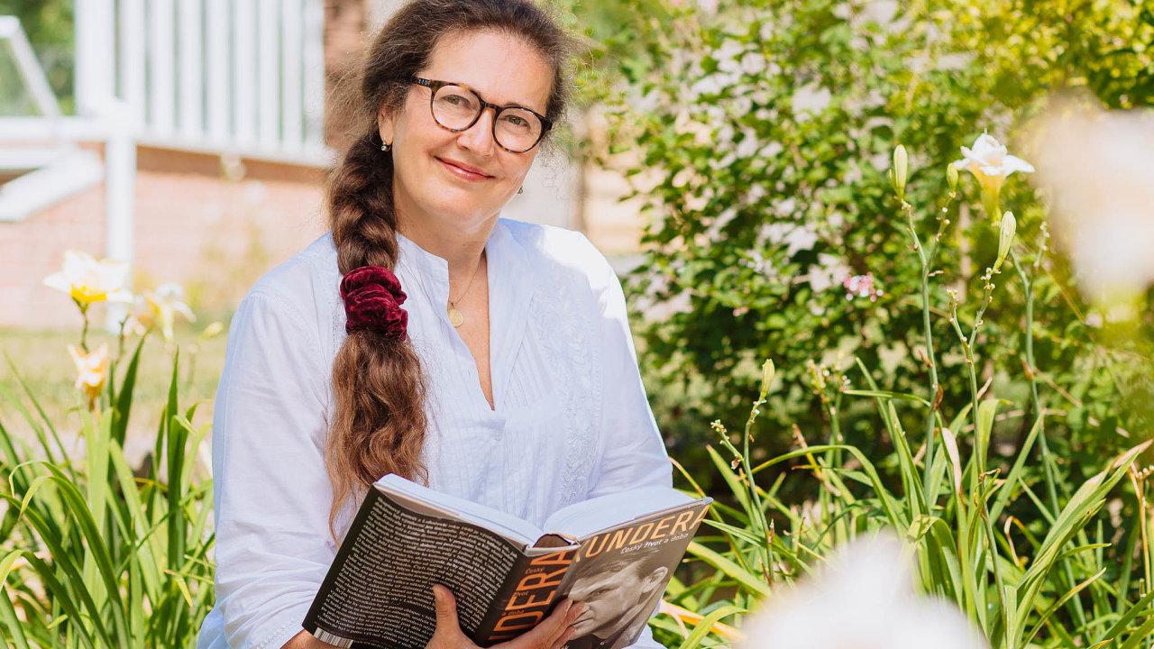 """""""Moje letošní léto patřilo zejména knihám, které přibližují českou historii,"""" říká Taťána le Moigne, šéfka českého Googlu."""
