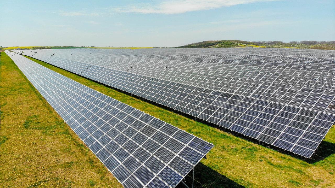 Největší zájem mají investoři o solární elektrárny, podali projekty za tři čtvrtě bilionu.