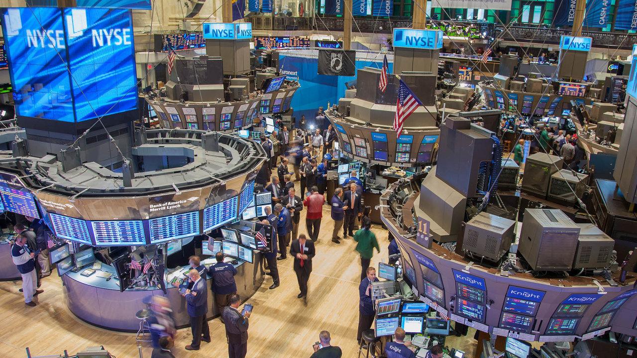 V příštích měsících mohou být zajímavou investicí banky nebo třeba aerolinky či akcie hotelových řetězců.