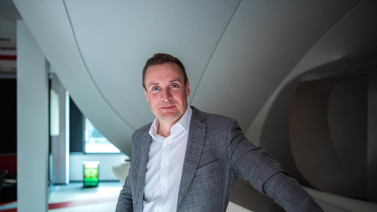 Jonathan Rutherford, viceprezident pro firemní zákazníky společnosti Vodafone