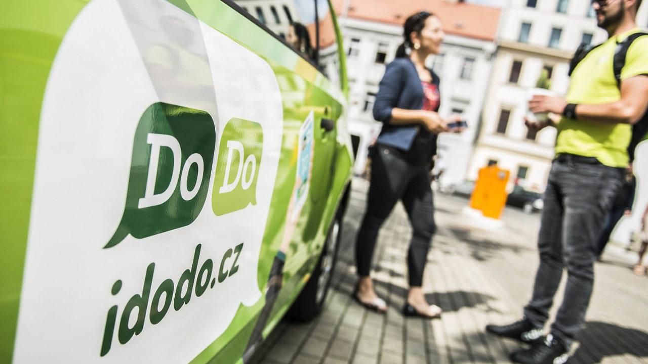 Logistická firma ustála nápor zakázek idíky digitálnímu systému, který sbírá údaje například opoloze kurýrů, stylu jejich řízení či spotřebě paliva daného auta.