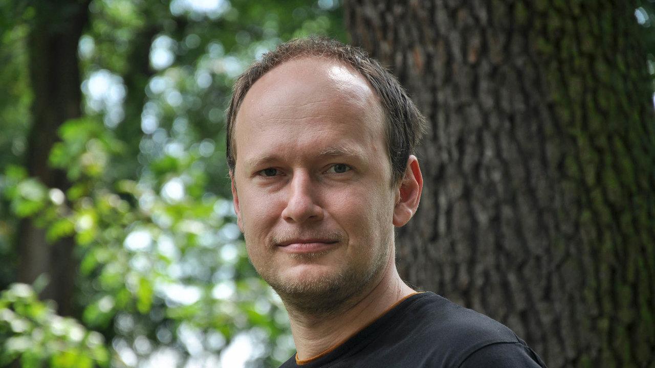 Vladimír Stupavský založil před 11 lety založil klastr Česká peleta, který sdružuje většinu domácích firem zprostředí výroby aprodeje kotlů, kamen adřevních paliv.