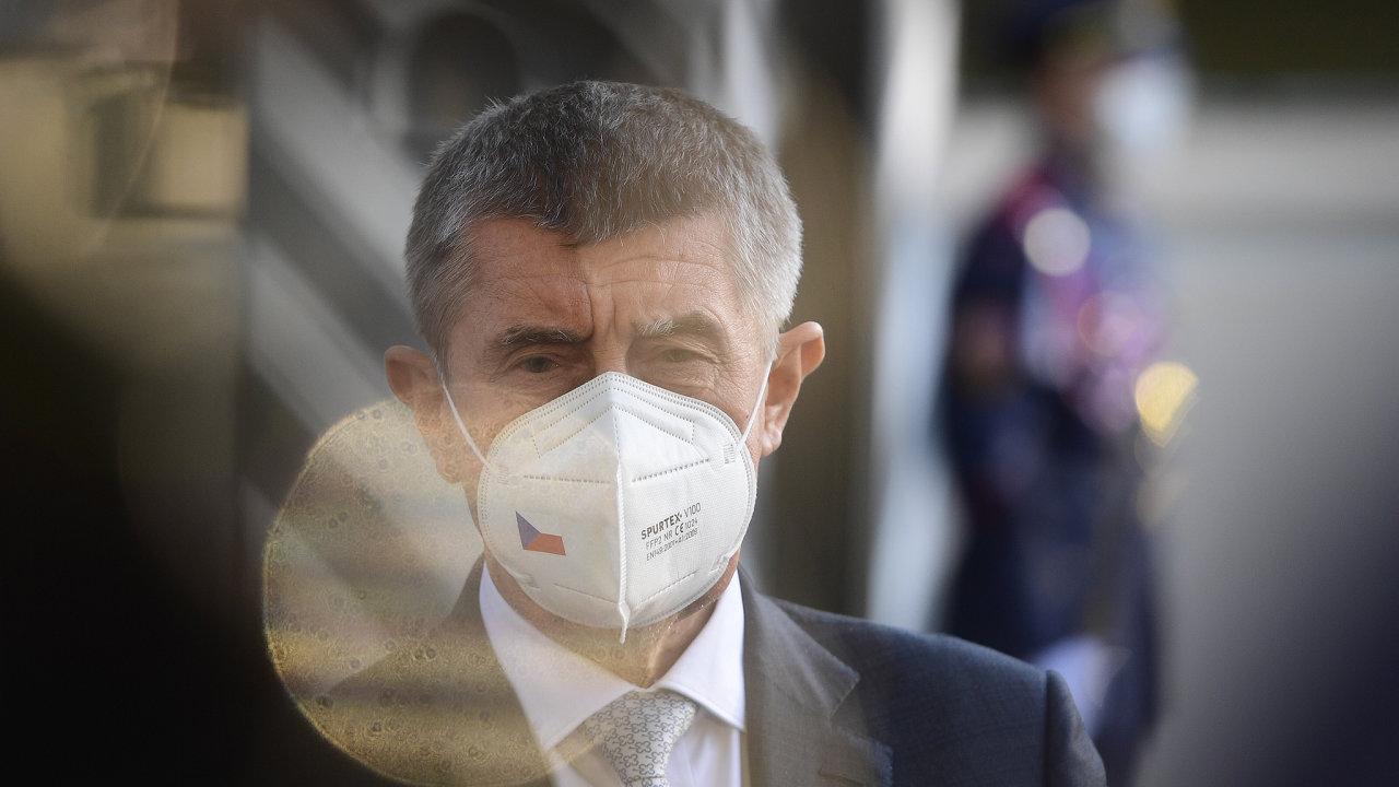 PremiérAndrej Babiš mluví s novináři 31. května 2021 v Lánech po pravidelné schůzce s prezidentem Milošem Zemanem.