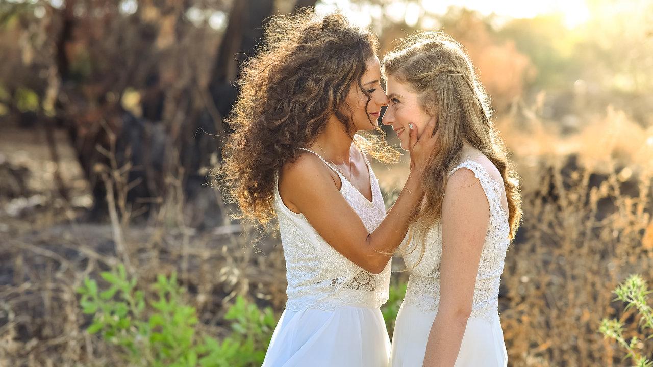 žena, ženy svatba, stejnopohlavní pár,lesba lesby
