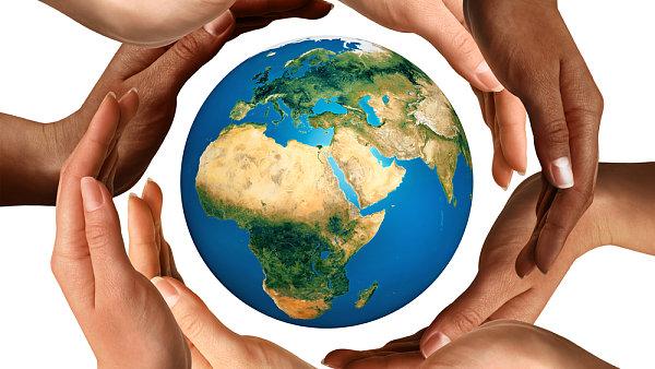 Firemní dárcovství nejen pomůže potřebným, ale zvýší i loajalitu zaměstnanců.