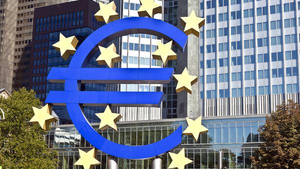 Ekonomika eurozóny podle odhadů OECD zpomalí.