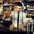 Nejlep��m barmanem je David Anderle z Hemingway baru
