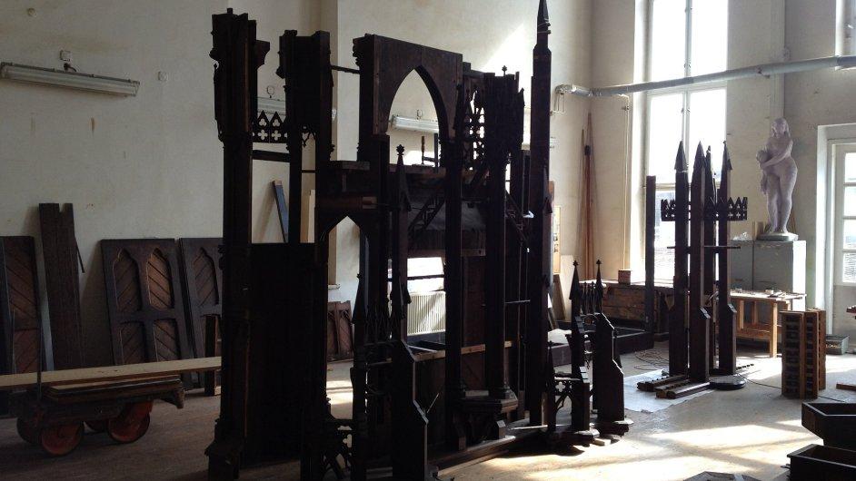 Výroba varhan v krnovském závodě Rieger Kloss. Ty na snímku jsou určené pro berlínskou katedrálu St. Afra.