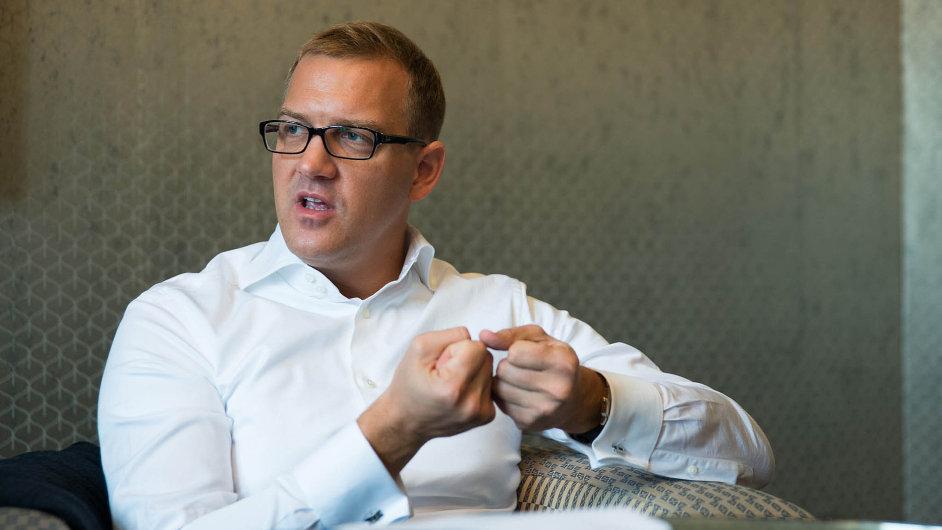 Daniel Křetínský posiluje na maloobchodním trhu s energiemi.